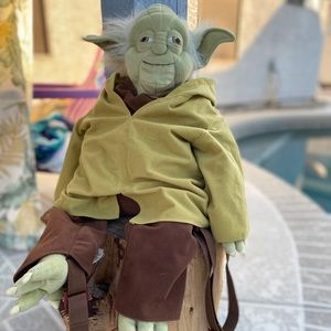 Yoda Backpack Buddy